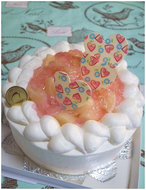 桃のショートケーキ全体