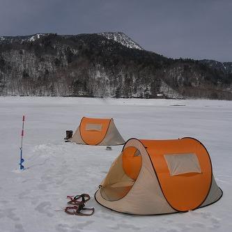 公魚に魅せられた人たちの記録24 テントのある風景