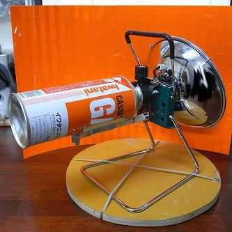 イワタニ カセットガス ジュニアヒーター06 ガス装着
