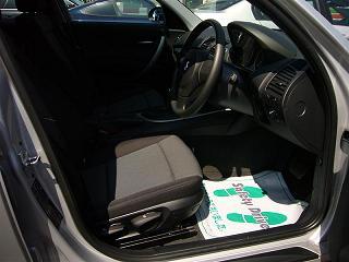 BMW 116i 運転席