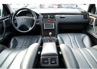 AMG Eクラスステーションワゴン 運転席