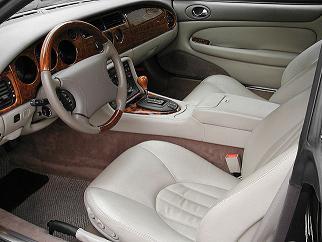 ジャガー XK8クーペ 運転席