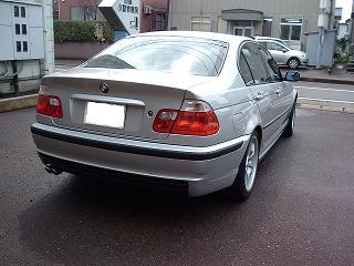 BMW 330iセダン