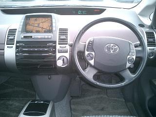 プリウス G 運転席