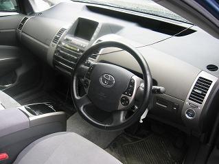 プリウス 運転席