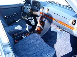 メルセデスベンツ E280 運転席
