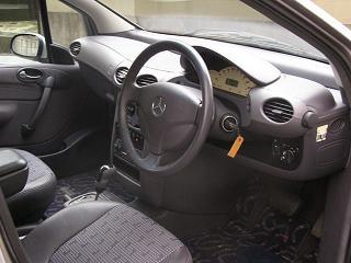 メルセデスベンツ A190 運転席
