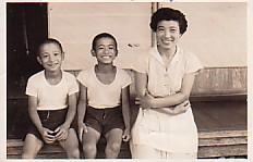 祖母と父と叔父と