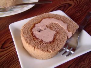 ココアのロールケーキ
