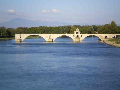 有名なアヴィニヨン橋