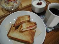 ホットサンドの朝ごパン
