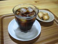 アイスコーヒーとココナツサブレ
