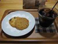 ステラおばさんのクッキーとアイスコーヒー
