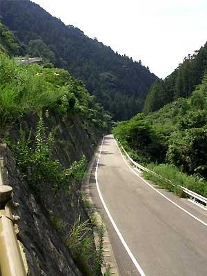 fc2_8_10_2(横峰寺登り口の青空)