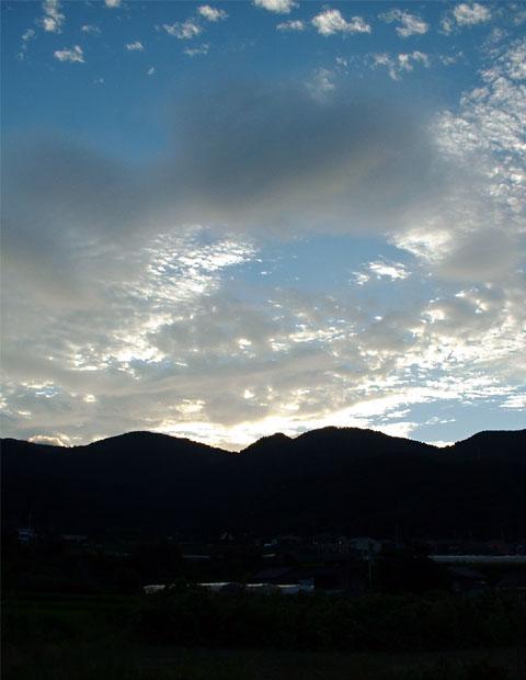 fc2_8_22_1(茜色の夕焼けの前兆)