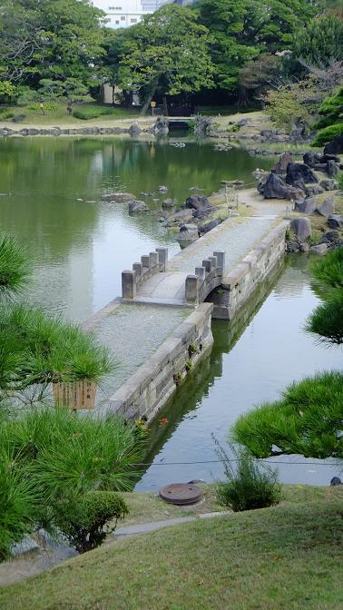 西湖の堤1