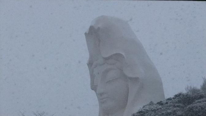 雪と大船観音