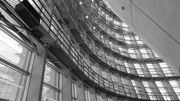 国立新美術館の内部