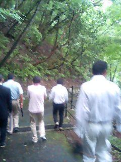 恵那峡の裏道を抜ける