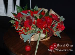 メインテーブルサイドのお花
