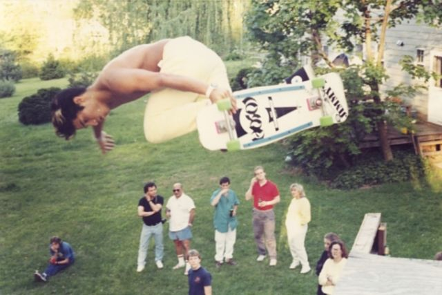 hosoi-backside-air-jeffs-ramp-circa-1986-photo-jason-oliva[ 640x427 1]