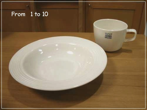 ダイソーのお皿、Omaとも相性良さそう