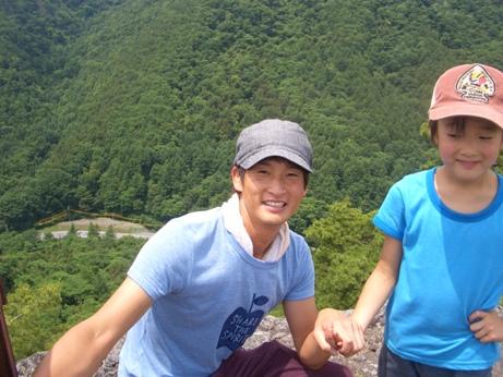 仏岩山頂ご満悦の笑顔