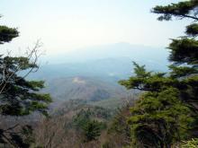 郡界尾根と赤城の山々