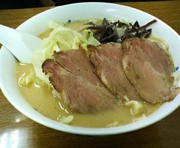 華隆餐館のランチ刀削麺