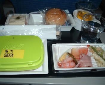 ANAエコノミークラスの機内食、シンガポール発成田行き