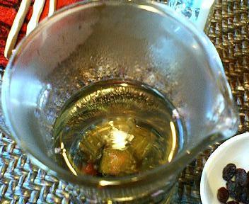 茶藝館如意庭の工芸茶
