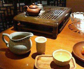 唐韻茶房のお茶とお茶菓子