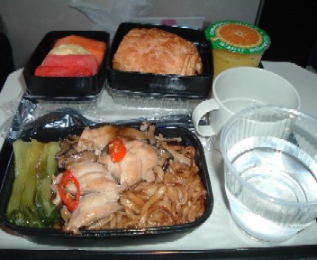 UAシンガポール発成田行き機内食朝食