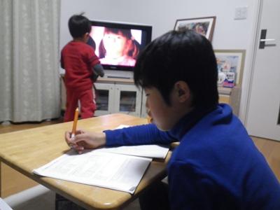 勉強を見てもらい