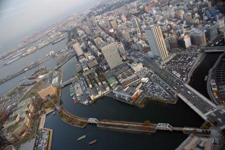 横浜スタジアム方向