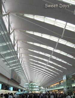 060528airport01.jpg