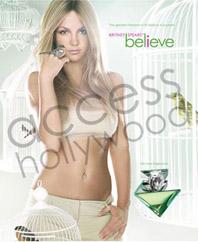 britneyperfume070810.jpg