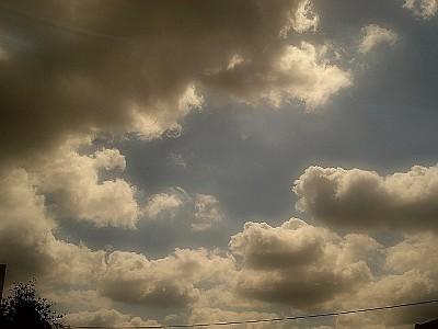070528朝9時頃の雲
