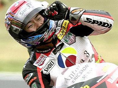 日本グランプリの500ccクラスで優勝した阿部典史(ノリック)選手