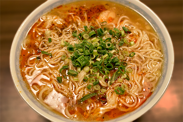 110514_001_酸辣湯麺