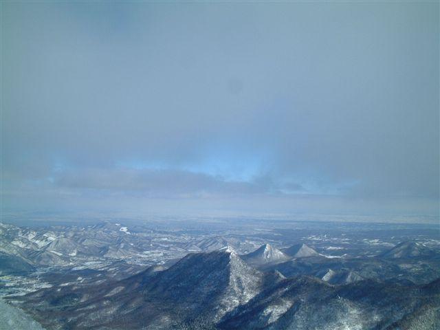 札幌岳から札幌を望む