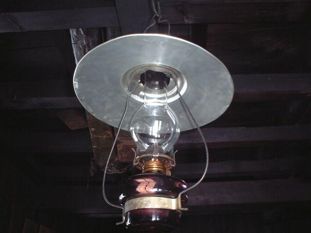 冷水小屋のランプ