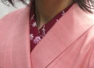 半襟は赤の刺繍