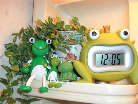 木カエル+カエル時計