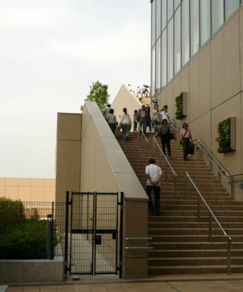 JR大阪駅天空の農園11