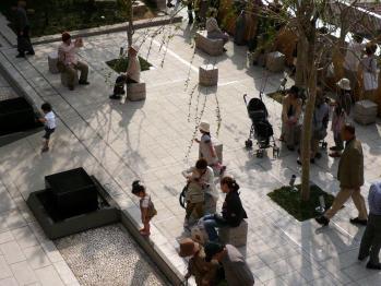 JR大阪駅和らぎの庭02