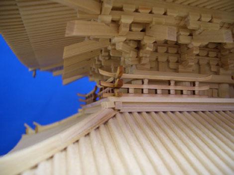 欄干と屋根裏2