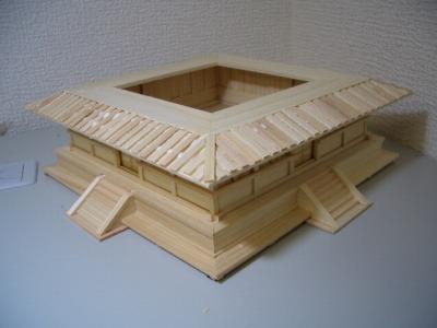 裳階・屋根の完成