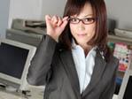【無修正】鈴木ありさ 新入社員は小柄な奉仕美女!【XVideos】