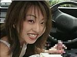 【手コキ】「チンポ・・・ずりずり」と2回繰り返し手コキするタクシーに乗ってきた痴女OL